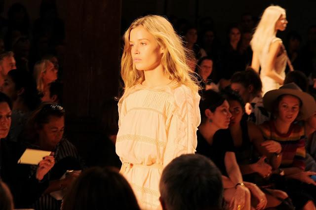 Camille et les garçons PARIS FASHION WEEK day #4 - Isabel Marant show 1